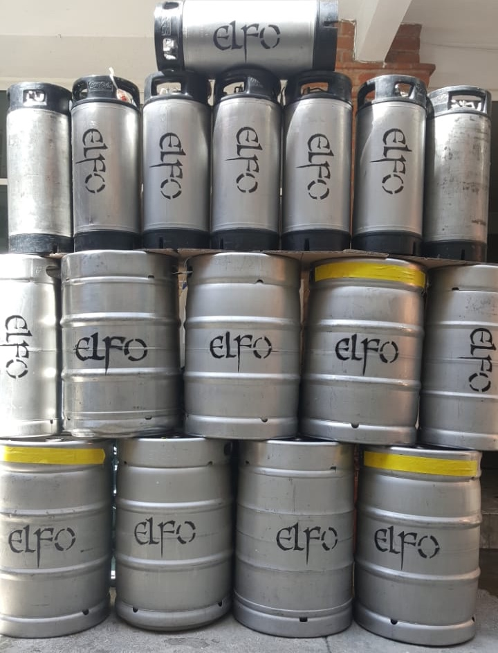 Conjunto de barriles de distintas capacidades de almacenamiento