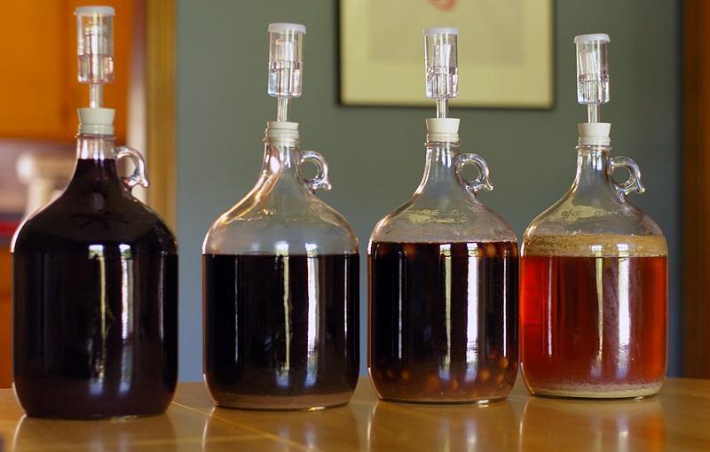 Elaboración de cerveza en cuatro contenedores aplicando tips para evitar la contaminación